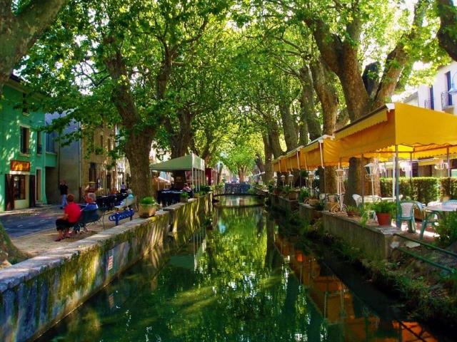villa Goudargues vakantie met zwembad airco restaurant in Frankrijk